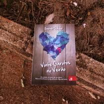 https://ahistoryofcrows.wordpress.com/2014/07/06/vinte-garotos-verao-sarah-ockler/