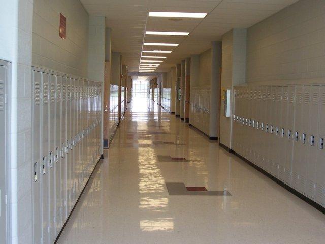 Empty_Hallway